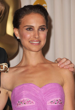 Natalie Portman Close