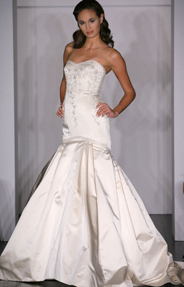 Kenneth Pool Wedding Gown_1245655100751